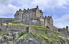 "Edinburgh Castle • <a style=""font-size:0.8em;"" href=""http://www.flickr.com/photos/45090765@N05/8685702103/"" target=""_blank"">View on Flickr</a>"