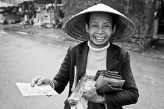 peddler's smile (minus6) Tags: vietnam hue minus6 peddlerssmile tuducimperialtomb