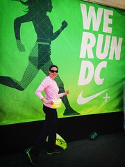 Hanging out (TaniaGail) Tags: dc washington running halfmarathon tiffanyco nikewomenshalfmarathon nwm