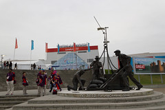London_2012_Excel_Front_Paralympics_Dockers_Statue_E1_4725 (Firing Canon) Tags: london sign volunteers banner entrance signage 2012 excel paralympics london2012 livery paralympic paralympicgames locog competitionvenue paralympicagitos gamesmakers dockersstatue