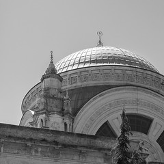 Istanbul-Beyoglu-42 (G and E Photos) Tags: turkey istanbul mosque domes dolmabahcemosque buildingelements