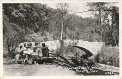 Ledges State Park, Boone County, Iowa, Stone Arch Bridge, Picnic, Table (photolibrarian) Tags: table picnic stonearchbridge ledgesstatepark boonecountyiowa