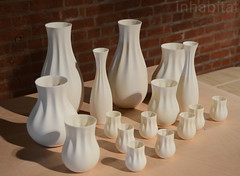 great-things-to-people-3d-printer-cast-vases-2 (Inhabitat) Tags: sustainabledesign greendesign greenfurniture newyorkdesignweek ecoproducts greeninteriors energyefficientlights wanteddesign nydw newyorkdesignweek2013 wanteddesign2013 mikewanted2013