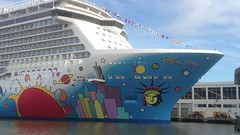 Video Of The Cruise Ship Norwegian Breakaway After Its First Transatlantic Crossing To New York City On May 7, 2013. The Norwegian Breakaway Will Be Christened On Wednesday May 8, 2013 and Will Begin Its Inaugural Voyage To Bermuda On Sunday May 12. 2013. (ses7) Tags: norwegian breakaway