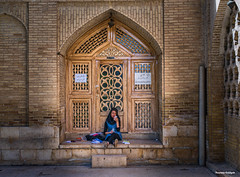 Iran (yeaidgah) Tags: iran shiraz hafez girl lady mobile studying