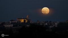 Luna llena Maria de la Salut (David Maim) Tags: omd em5ii olympus mzuiko 40150mm lunallena fullmoon mallorca mariadelasalut