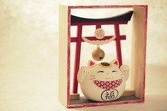 DIY dollhouse,Japanese style dollhouse,handmade lucky cat  ,DIY miniature,handmade home deco,handmade art dolls (charles fukuyama) Tags: kitten kitty lovecat animalsdoll japanstyle birthdaygift claydoll sculpted woodenbox minibox dollandminiature dollhouse deskdecor cute kikuike