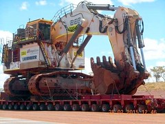 That is some real big shovel to do some serious digging. (The Old dutchman) Tags: heavyequipment