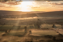 Mist in the Valley (dave.pix2013) Tags: castleton botton mist sunrise