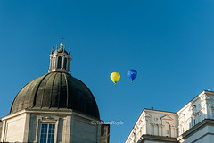 DSC_8557 (Adrian Royle) Tags: lithuania vilnius travel holiday city urban street cathedral palace sky people architecture hotairballoons