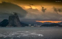 Morro do Po de Aucar - Rio de Janeiro (mariohowat) Tags: sunset prdosol crepsculo morrodopodeaucar sugarloaf podeaucar natureza riodejaneiro fortedoimbu niteri brasil brazil