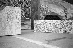 43610009 (kyrieelizabeth) Tags: nyc streetphotography staybrokeshootfilm 35mm olympusxa film filmisnotdead noiretblanc newyorkcity brooklyn blackwhite blackandwhite streets
