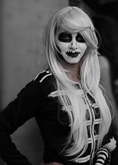OKIMG_0291 (taymtaym) Tags: cosplay cosplayers costumes costumi costume cosplayer romics2016fall romics fall 2016 fiera di roma pretty bella girl ragazza wig dark goth gothic death morte makeup trucco capelli bianchi