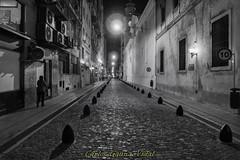 Viejo Buenos Aires (Carlos Gauna Vidal) Tags: calle empedrado luces wb blancoynegro viejo ciudad