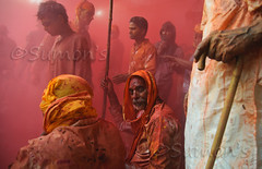 Red (mann_D5000) Tags: old red india yellow festival culture getty tamron holi barsana suman mathura holifestival sumon d5000 holiindia lathmar lathamarholi holimathura