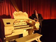 Paul Gregson at the Wurlitzer Cinema organ, Bowness on Windermere, Cumbria. (Paul Gregson) Tags: cinema organ cumbria windermere wurlitzer bowness bownessonwindermere organist organconsole wurlitzerorgan cinemaorgan royaltycinema paulgregson furnesstheatreorganproject