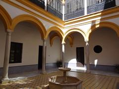Alcazar de Sville / Reales Alczares de Sevilla (Serge LAROCHE) Tags: espaa sevilla arquitectura andalucia unesco alcazar espagne sville andalousie  patrimonio siviglia  realesalczares patrimoinemondial