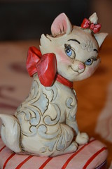 Figurine Marie Collection Jim Shore (MissLilieDolly) Tags: marie les cat chat thomas jim disney collection shore omalley dolly figurine miss lilie the aristocats toulouze duchesse aristochats berlioze missliliedolly