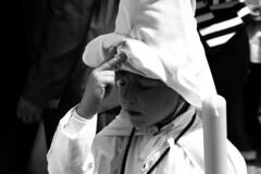 La Paz, Semana Santa, Sevilla. (Jacobo Canady) Tags: street boy espaa easter calle sevilla andaluca spain candle child paz seville andalusia vela nio lapaz nazareno semanasanta holyweek procesin cirio hermandad capirote hermandaddelapaz