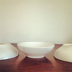 Franciscan Interpace Whitestone Ware Berry Bowls. (Alice et Christine) Tags: square squareformat collectible rise dinnerware midcenturymodern franciscan mcm californiapottery whitestoneware interpace iphoneography instagramapp uploaded:by=instagram