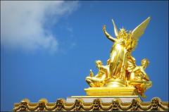 Paris Opera statue, France (Wagsy Wheeler) Tags: sculpture sun paris france building statue gold golden parisopera opéranationaldeparis académieroyaledemusique académiedopéra