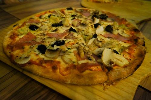 DSC05221意式燻雞蘑菇披薩