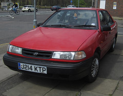 1992 HYUNDAI X2 PONY LS (Yugo Lada) Tags: old red london cars car photo surrey retro pony vehicle parked 1992 hyundai rare ls x2 j214ktp