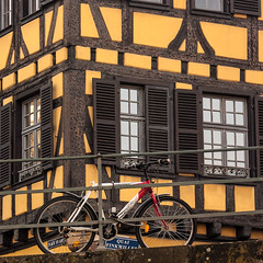 Quai Finkwiller (Lucille-bs) Tags: france jaune europe strasbourg alsace maison bicyclette fentre quai vlo colombage rampe hautrhin volet rambarde simplysuperb finkwiller arethesebuildings