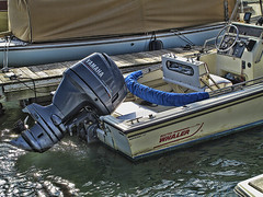 READY IN BEAUFORT (NC Cigany) Tags: water boat nc northcarolina yamaha beaufortnc easternnc bostonwhaler 1045 20111022 3rdoldestnctown