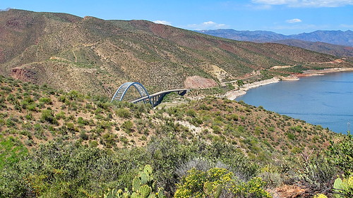 Roosevelt Lake and Roosevelt Dam Bridge from Thompson Trail