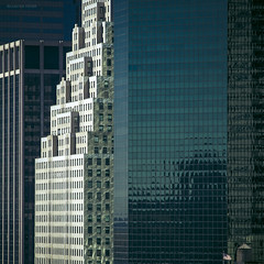four facades and a water tank (Blende1.8) Tags: nyc newyorkcity windows usa newyork tower architecture skyscraper buildings skyscrapers fenster flag towers facades architektur flagge starsandstripes wassertank hochhaus fassaden hochhäuser sternenbanner löschwassertank