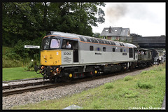 No 33063 R.J. Mitchell 7th Aug 2016 Spa Valley Railway Diesel Gala (Ian Sharman 1963) Tags: no 33063 rj mitchell 7th aug 2016 spa valley railway diesel gala class 33 crompton engine rail railways train trains loco locomotive passenger heritage line eridge groombridge tunbridge wells west station