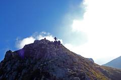 salendo per cresta (Tabboz) Tags: montagna dolomiti sentieri cima vetta trekking boschi mugo rifugio panorama valle roccia nuvole