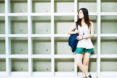 (Mr.Sai) Tags: rolleiflex sl35me rollei 50mm f18 hft qbm fuji 100 analog film     taiwan taipei portrait girl