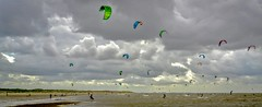 Challenging the elements (zoomleeuwtje) Tags: oostvoorne kite surfing north sea