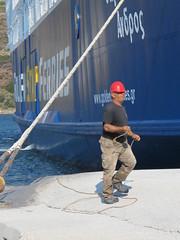 al lavoro (ermyale) Tags: lavoro nave grecia traghetto imbarcazione andros cicladi