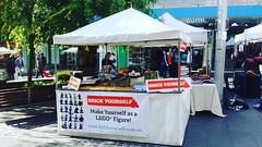 Brick Yourself Live @ Chatswood Markets today! #brickyourself #chatswoodmarket #brickmandan #lego #makeyourselfinlego