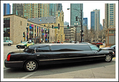 Extra-long in Chicago's Gold Coast (sjb4photos) Tags: chicago illinois magnificentmile chicagogoldcoast lincolnlimousine alltypesoftransport