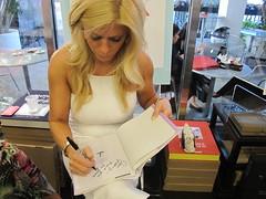The Weekend Makeover (Jeffrey Guterman) Tags: beauty fashion closet relaxation relationships clutter frienship booksandbooks jillmartin jeffreyguterman danaravich theweekendmakeover