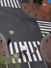 Apr. 11, 2013 (Kaz_Ngo) Tags: above rain intersection overhead