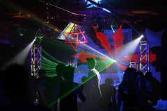 IMG_7732 (Dan Correia) Tags: psytrance lights nightclub dj blacklight laptop macbookpro macintosh abletonlive weekendheroes beatdownproductions canonef50mmf18 topv111 topv333
