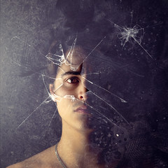 Brain death (Rubn Chase) Tags: portrait selfportrait art broken glass photoshop self photography photo nikon fine chase concept conceptual autorretrato effect cristal roto rubn d90 carb freeflyer09