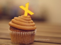 X (Fajer Alajmi) Tags: wood caramel cupcake letter