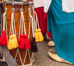 A Dhol drum and curly-toed slippers at the 2013 Sikh Vaisakhi festival in Southampton (Anguskirk) Tags: uk england color colour festival hampshire procession sikh gurdwara southampton slippers saris vaisakhi nagi 2013 nagarkirtan dholdrum gurdrawananaksar curlytoed