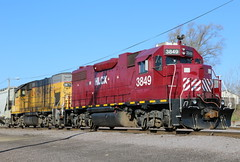 Red Head (JayLev) Tags: up unionpacific peoria helm leaser hlcx
