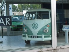 "AH-42-59 Volkswagen Transporter kombi 1964 • <a style=""font-size:0.8em;"" href=""http://www.flickr.com/photos/33170035@N02/8692522041/"" target=""_blank"">View on Flickr</a>"