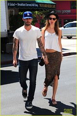 Adam Levine & Behati Prinsloo (your music1) Tags: california ca usa sunglasses fashion lunch sandals style skirt tattoos jeans porsche bowlerhat tanktop losfeliz tee sportscar adamlevine covertible vansshoes celebritycouples mustardseedcafe behatiprinsloo labaseballcap