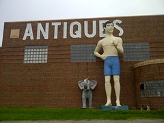 ANTIQUES (Rockin' KE) Tags: travel signs illinois statues stores