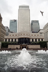 Canary Wharf (RoyReed) Tags: london fountain canarywharf