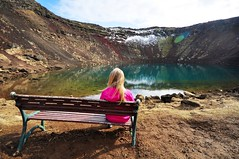 Keri (Cyril Plapied) Tags: pink girl rose bench iceland crater fille banc islande keri cratre